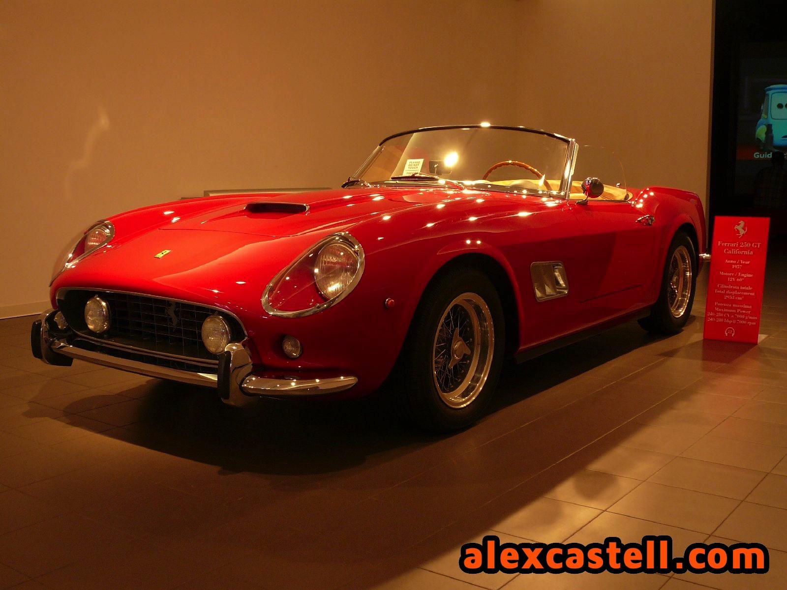 Ferrari 250 GT Spider California en la Galleria Ferrari