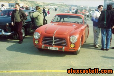 Triplete de coches clásicos